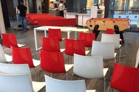 Nouvelle reprise de meubles de bureau sur PARIS